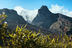 Volcano Kelud in de wolken royalty-vrije stock fotografie