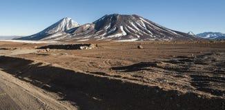 Volcano Licancabur sulla frontiera fra il Cile e la Bolivia Immagini Stock