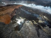 Volcano Mountain mit Nebel stockbild