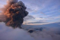 Volcano Mt Bromo Erupting Photographie stock libre de droits