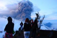 Volcano Mt Bromo Erupting Photos libres de droits