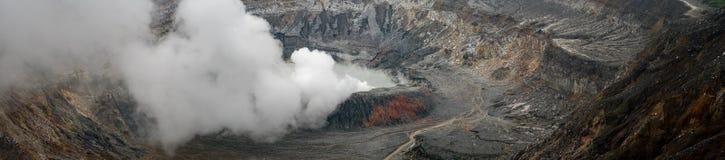 Volcano Poas in dichtbijgelegen van San Jose royalty-vrije stock afbeelding