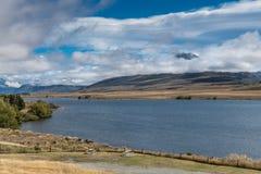 Volcano Potts över Clearwater sjön, Nya Zeeland Arkivfoto