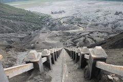 Volcano Step Cratere Mount Bromo-Uitbarsting, het Oosten Java Indonesia royalty-vrije stock fotografie