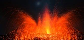 Volcano Stromboli con la grande eruzione Immagine Stock Libera da Diritti