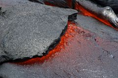 volcanoes för nationalpark för flödeshawaii lava arkivfoton