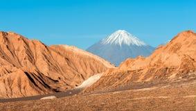 Volcanoes Licancabur and Juriques, Atacama Royalty Free Stock Photos