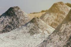 Volcans actifs de boue photographie stock libre de droits
