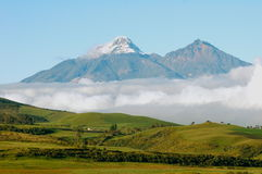 Volcans d'Iliniza Sur Iliniza Norte en Equateur Photographie stock libre de droits