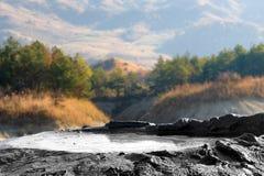 Volcans de boue chez Berca, Roumanie Images libres de droits