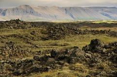 Volcans et la contrée lointaine en Islande Photos stock
