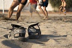 Voleibol da praia, sapatas Fotos de Stock Royalty Free