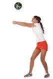 Voleibol del juego de la chica joven Fotos de archivo