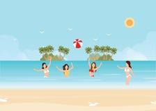 Voleibol del juego de la mujer del bikini en el mar Imagen de archivo libre de regalías