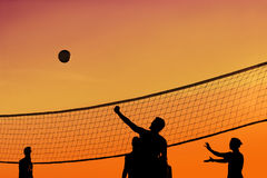 Voleibol do por do sol Foto de Stock Royalty Free