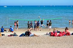 Voleibol en la playa, Weymouth Imágenes de archivo libres de regalías