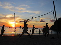 Voleibol en la sombra Imagenes de archivo