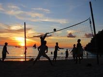 Voleibol na sombra Imagens de Stock