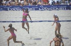 Voleibol profesional de las mujeres de Coors Light Imágenes de archivo libres de regalías