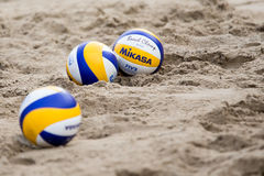 Voleiboles de playa en la arena Foto de archivo libre de regalías