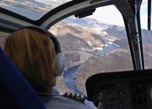 Voler au-dessus du barrage de Hoover Image stock