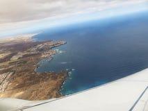 Voler dans le ciel photos libres de droits