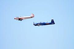 Voler militaire d'avions de vintage images stock