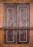 Volet de Brown d'un bâtiment marocain Images stock