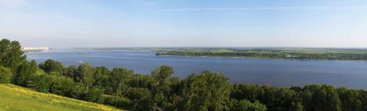 Volga flod nära Nizhniy Novgorod Royaltyfri Fotografi