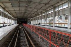 Volgograd Rosja, Listopad, - 03 2016 opróżnia stacje Pioneerskaya Metrotram Fotografia Stock