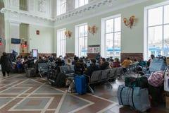 Volgograd Rosja, Listopad, - 04 2016 Poczekalnia przy stacją kolejową Fotografia Stock