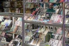 Volgograd Rosja, Listopad, - 03 2016 Skrzynki dla smartphones w zakupy kompleksie Diamant Obrazy Stock