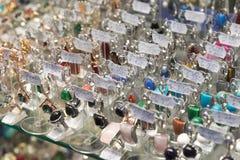 Volgograd, Russia - 3 novembre 2016 Gioielli nel complesso Diamant di spettacolo e di acquisto Immagini Stock Libere da Diritti
