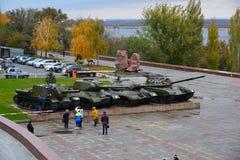 Volgograd Ryssland - November 01 2016 Utställning av militär utrustning från tider av det andra världskriget nära museum av strid Royaltyfri Foto