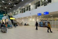 Volgograd Ryssland - Oktober 31 2016 Passagerare i C som är terminalan av Aeroport Arkivfoto