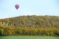 Voli del pallone di autunno Immagine Stock