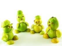 Volkeren van vruchten van kweeperen stock fotografie