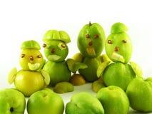 Volkeren van vruchten van kweeperen stock foto