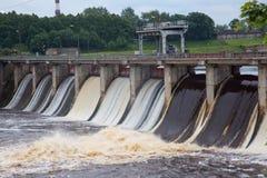 Volkhovskaya HPP是一个最旧的水力发电statio 免版税库存图片
