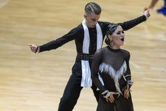 Volkov Iliya y Stasyuk Ekaterina Performs Adult Latin-American Program imagenes de archivo