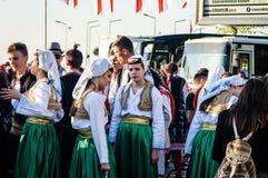 Volksdansers op Nationale Soevereiniteit en Kinderen` s Dag - Turkije Royalty-vrije Stock Foto