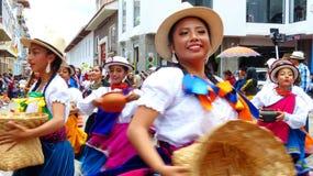 Volksdanserscuencanos en canari, Ecuador royalty-vrije stock fotografie
