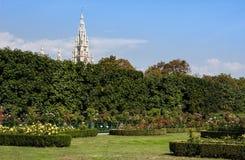 Volksgarten或人霍夫堡宫庭院公园在维也纳,在奥地利 库存照片