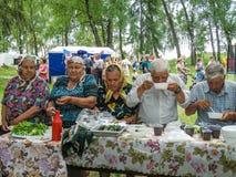 Volksrituale erbringen Verbesserungen in der Gomel-Region des Republik Belarus im Jahre 2015 Stockbilder