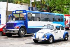 Volkswagen Beetle и международный 3800 Стоковое фото RF