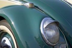 Volkswagen Beetle con le palpebre fotografia stock