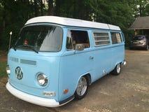 Volkswagen bleu Image stock