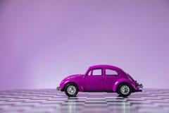Volkswagen Coccinelle rose Photo libre de droits