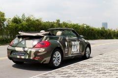 Volkswagen de nieuwe kever 2013 met AAPE-lichaam Royalty-vrije Stock Afbeeldingen