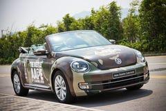 Volkswagen de nieuwe kever 2013 met AAPE-lichaam Stock Foto